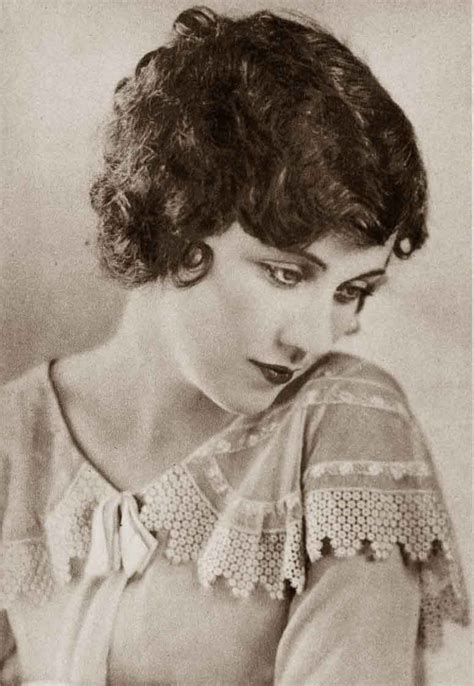1920 hair cuts wikipedia 1920s clara bow bob hairstyle in in hairstylegalleries com