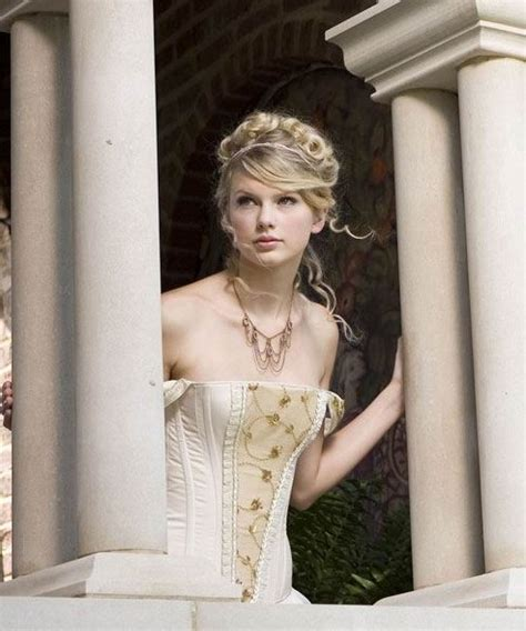 taylor swift hair in love story taylor swift hairstyles celebrity latest hairstyles 2016