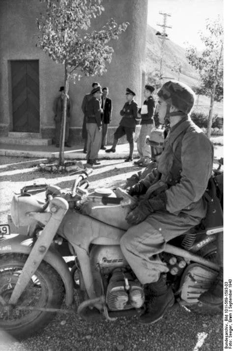 Motorradgespann Hund by File Bundesarchiv Bild 101i 569 1593 03 Italien