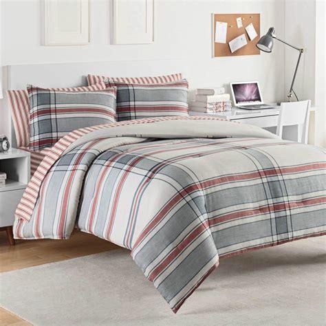 izod comforter hyde by izod bedding beddingsuperstore com