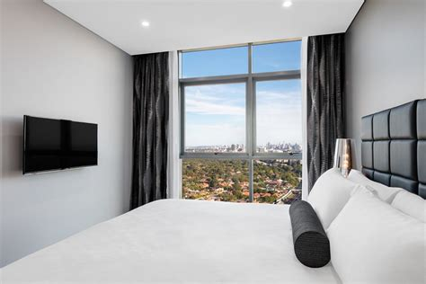 two bedroom city suite chatswood suites meriton suites