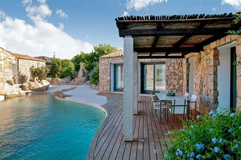 1950s Houses by Villa Amoras Luxury Retreats