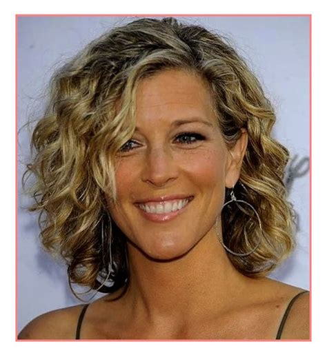 hairstyles for medium length hair on women in their 40s elegant hairstyles medium length hairstyles 50 plus best