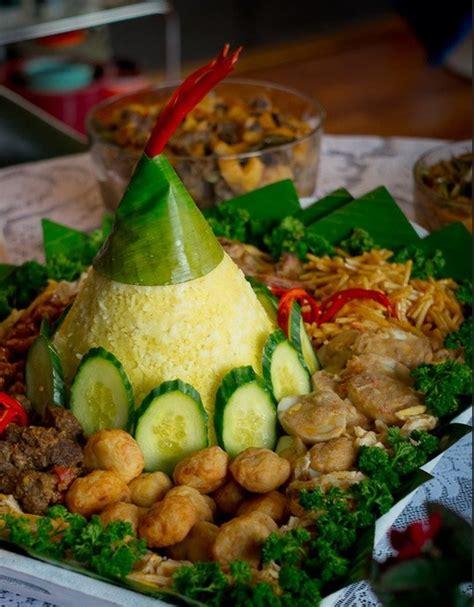 indonesian food design 36 best tumpeng nasi kuning images on pinterest