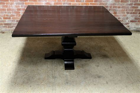 Square pedestal farm table in high gloss finish