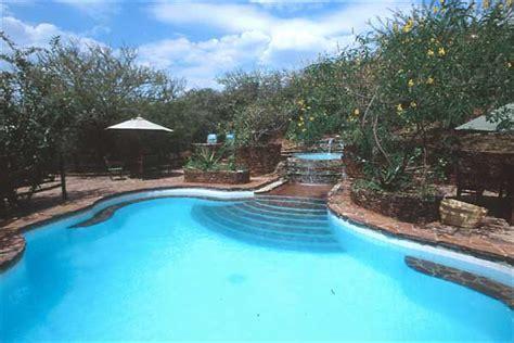 nice pool kirawira tented c