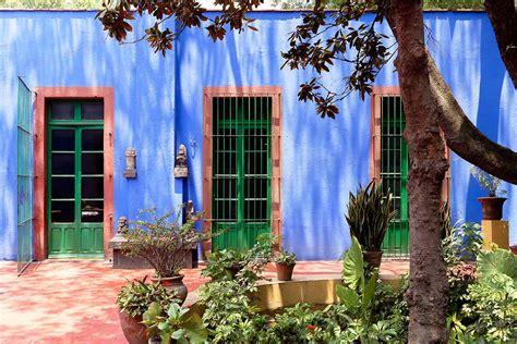 casa azul frida frida kahlo s casa azul in coyoac 225 n mexico yellowtrace