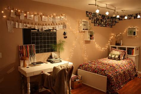 Teenage Girl Bedroom Spaces With Single Bed And Hanging