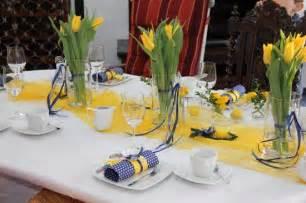tischdeko für kommunion dekoration tischdeko gelb ausmalbilder