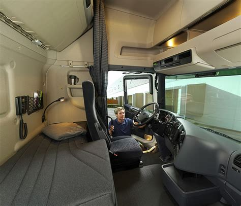 Inside Of Sleeper Trucks by Semi Truck Sleeper Cab Interior