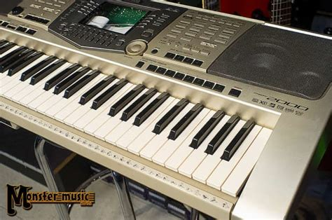Keyboard Bekas Yamaha Psr 2000 yamaha psr 2000 keyboard 2000 s silver reverb