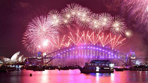 happy  year spectacular fireworks  australia ushers