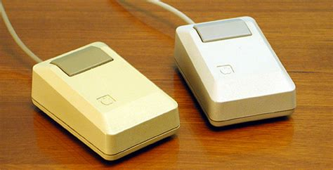 Mouse Apple Second the evolution of apple design between 1977 2008