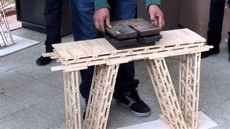 puentes hechos de palillos de elados ensayo de puente a escala elaborado con palitos de helado