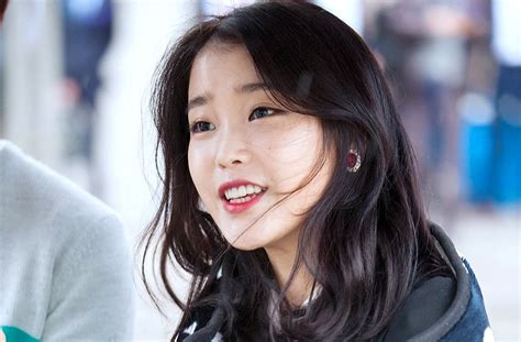 Iu Hairstyle by 8 Times Iu Changed Hairstyle Completely Koreaboo
