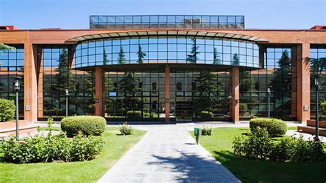 Universidad Carlos Iii De Madrid Mba by Las 10 Carreras Con M 225 S Salidas Y D 243 Nde Estudiarlas