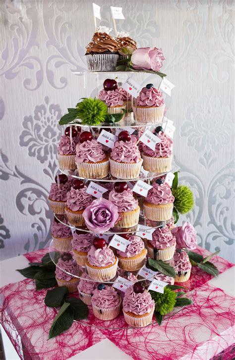 Hochzeit Cupcakes by Fondant Torte Und Cupcakes F 252 R Ihre Verlobung Mundus