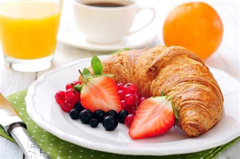 Marguerite Coffee Bun breakfast coffee fruit juice strawberries orange cup