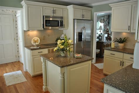 Buttercream Kitchen Cabinets Pin By Natalie Salazar On Jose Carolyn Pinterest
