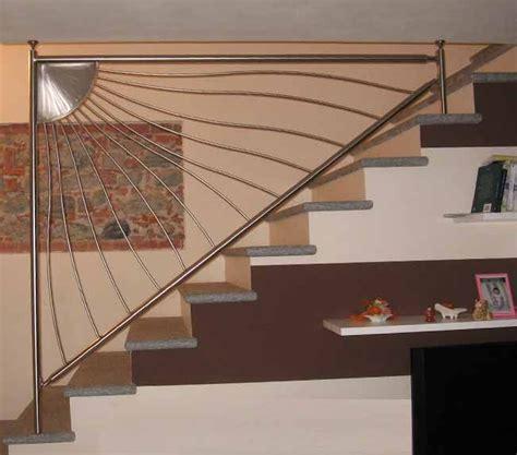 ringhiera scala interna acciaio oltre 25 fantastiche idee su ringhiera per scale su
