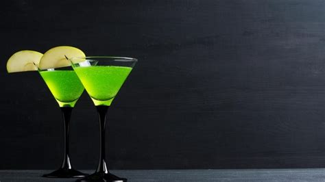 martini green green apple martini cocktail namkeens