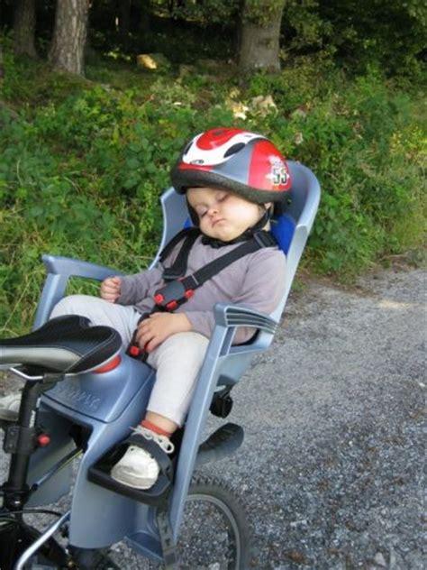 sillas para bebe bicicleta elegir silla de beb 233 para la bici mujer deportista