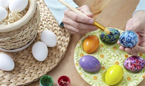 decorare uova pasquali come decorare le uova di pasqua www stile it