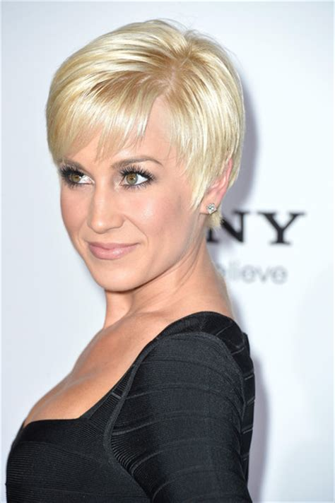 Kellie Pickler Pixie Hairstyle Photos by More Pics Of Kellie Pickler Pixie 8 Of 21