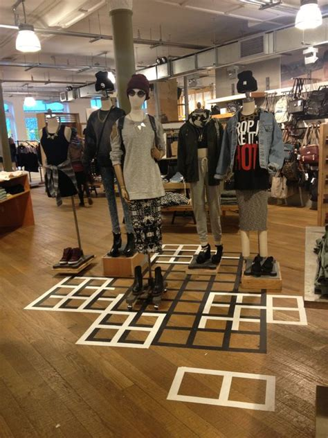 urban outfitters floor urban outfitters visual merchandising store design