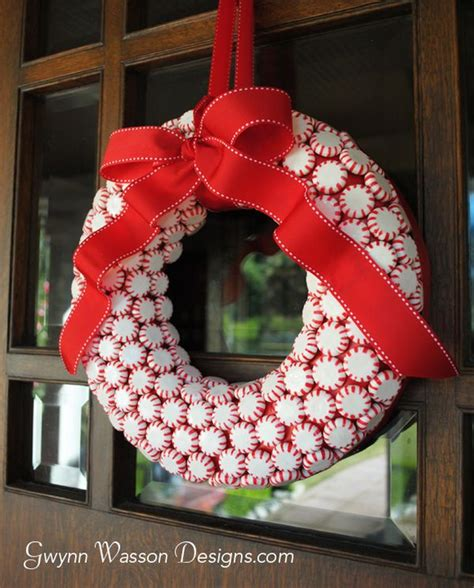 diy wreath ideas 22 beautiful and easy diy christmas wreath ideas