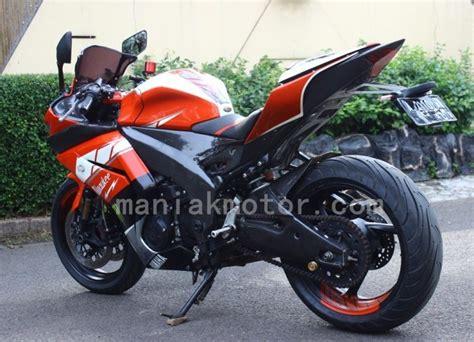 Komstir Racing Yamaha modifikasi yamaha yzf r25 konsep racing look bodi dan kaki kaki portal sepeda motor dan