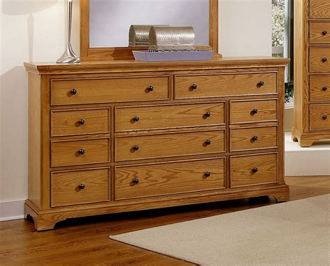 Vaughan Bassett Dresser by Vaughan Bassett 003 Buy Vaughan Bassett Forsyth 8 Drawer
