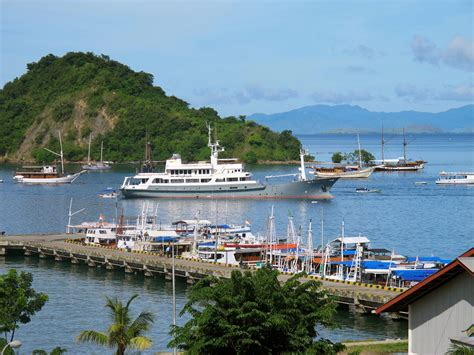 yacht charter labuan bajo salila in labuan bajo luxury yacht browser by