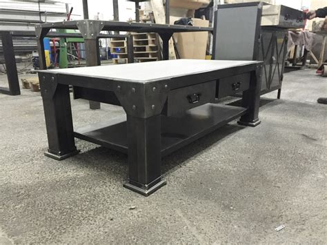 table acier bois industriel table de salon style industriel