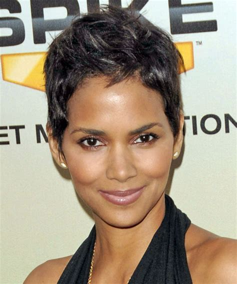 Hair Crush Wednesday: Halle Berry's Best Short Cuts