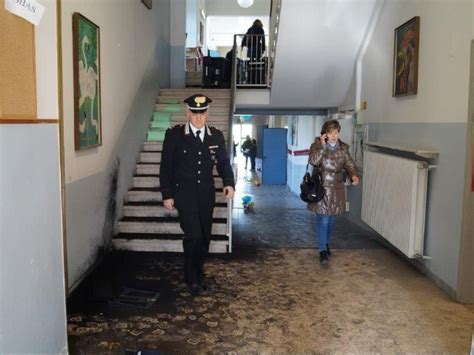 istituto tecnico cardano pavia assalto a liceo 3 studenti denunciati