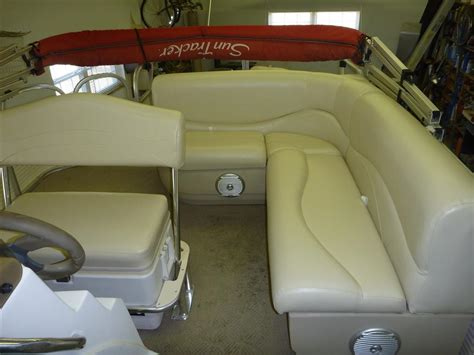Pontoon Boat Interior by Pontoon Boats Matney S Upholstery