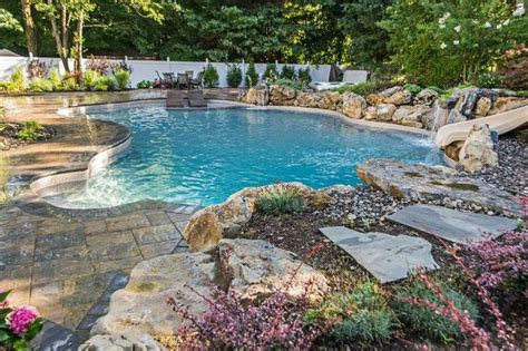 vinyl lined pools allow flexibility in pool design