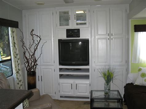 Do It Yourself Painting Kitchen Cabinets by Rv And Camper Decor Series Diy Rv Design