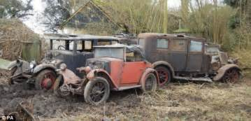 Antique Cars Found In Barn Classic British Cars Discovered In Barnyard Set To Fetch