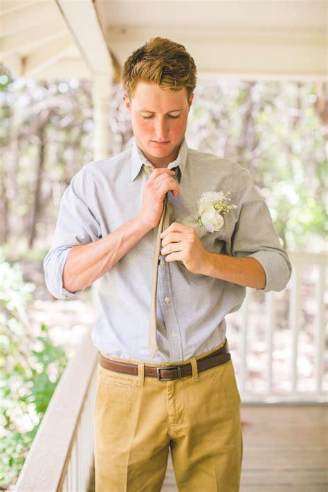 Casual groom attire for outdoor wedding   West Texas