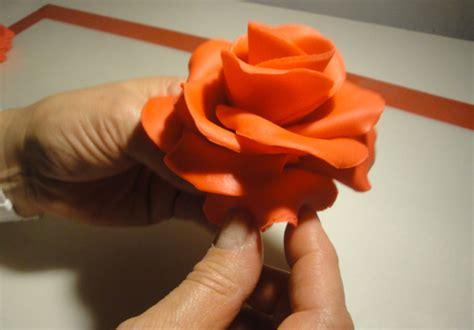come si fanno i fiori di zucchero tutorial di cake design come si fa una rosa con la pasta