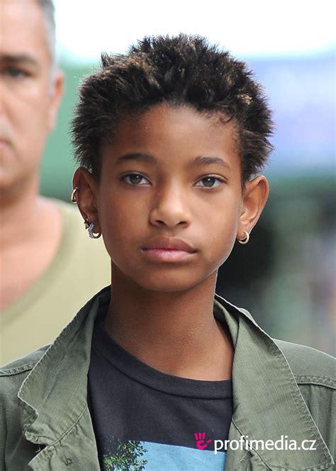 Willow Smith Hairstyle by Willow Smith Hairstyle Easyhairstyler