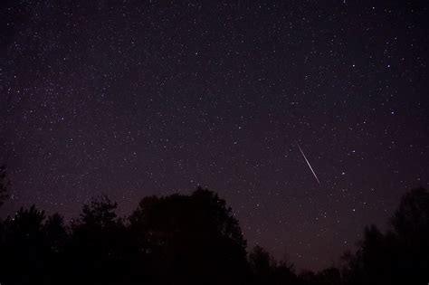 Meteor Shower Time by Orionid Meteor Shower 2016 Time Peak Date And Live