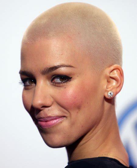 Friseur Haare Zu Kurz Sollte Sich Eine Frau Sehr Lange Haare Raspelkurz Machen