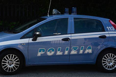 questura di cinisello balsamo permesso di soggiorno ultimora arrestati per corruzione due poliziotti