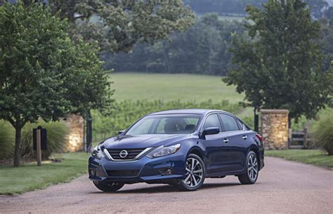 image  nissan altima size    type gif posted  september