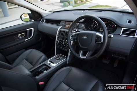 land rover discovery interior 2017 land rover discovery sport interior imgkid com the