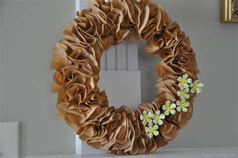 Paper Wreath Craft - savvy saturday project ruffle wreath