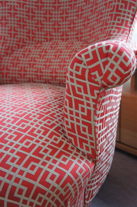 comment refaire un canapé en tissu le fauteuil crapaud de gilles tapissier d 233 corateur